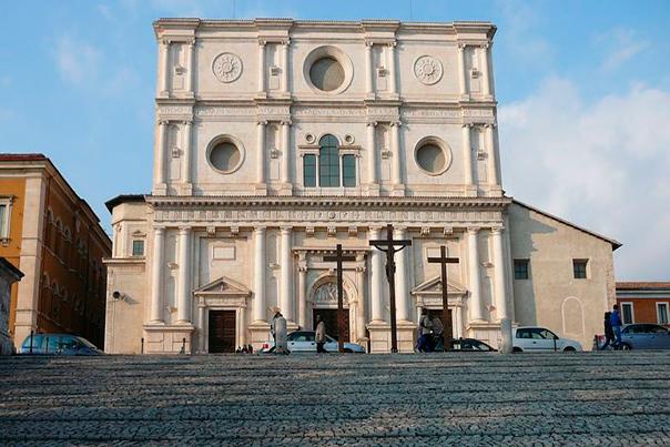 Basilica-di-San-Bernardino-a-LAquila