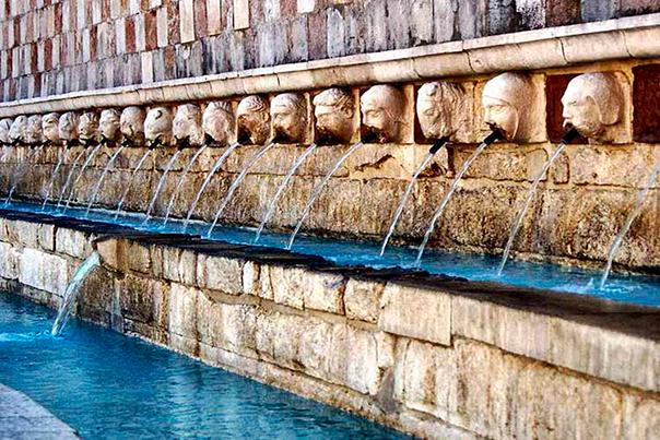 fontana-delle-99-cannelle