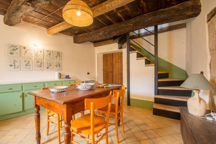 Casa degli archi - soggiorno con vista scale