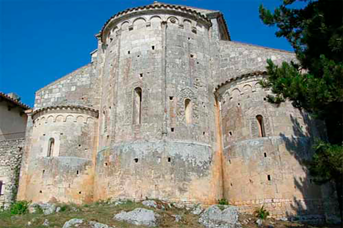 Bominaco, Chiesa di Santa Maria Assunta